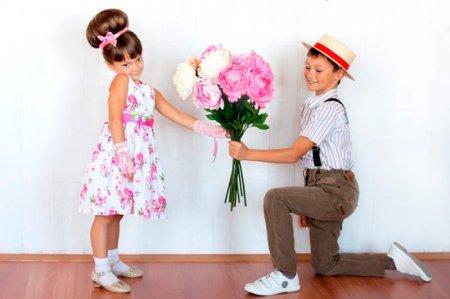 Сценарий 8 марта девочкам